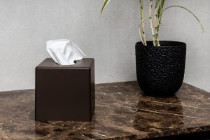 Cosmetic cube marrone